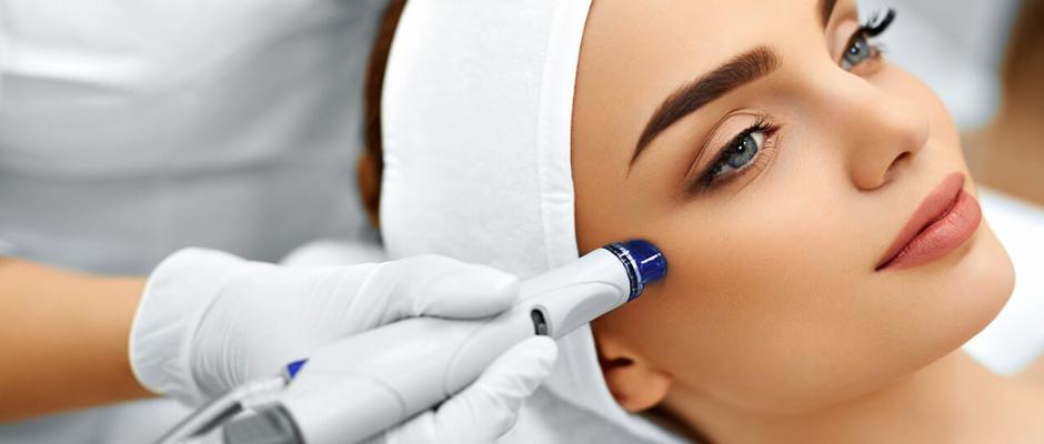 Estetikte lazer kullanımı geleneksel cerrahi işlemlerin yerini almaya başladı