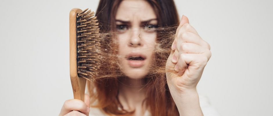 Saç dökülmesi bazı hastalıkların işareti olabilir