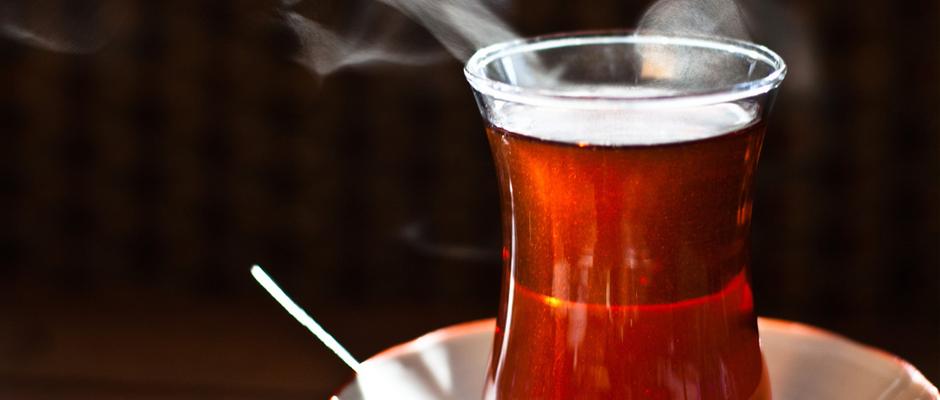 Uzman Diyetisyen Hülya Çağatay Öke: Mesai saatlerinde içilen çay stresi önlüyor, motivasyonu artırıyor