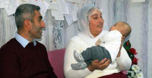 Embriyo aşısı ve mikroçip yöntemi ile uygulanan tüp bebek tedavisinde mutlu son