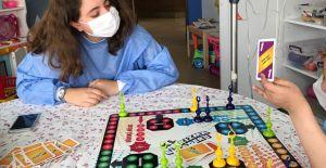 Çocuk kanserleriyle mücadelede başarının yolu farkındalık ve erken teşhisten geçiyor