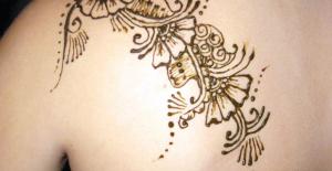 Hamileyken veya emzirme döneminde dövme yaptırılabilir mi?