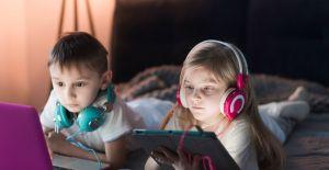 Yoğun dijital cihaz kullanımı çocukların...